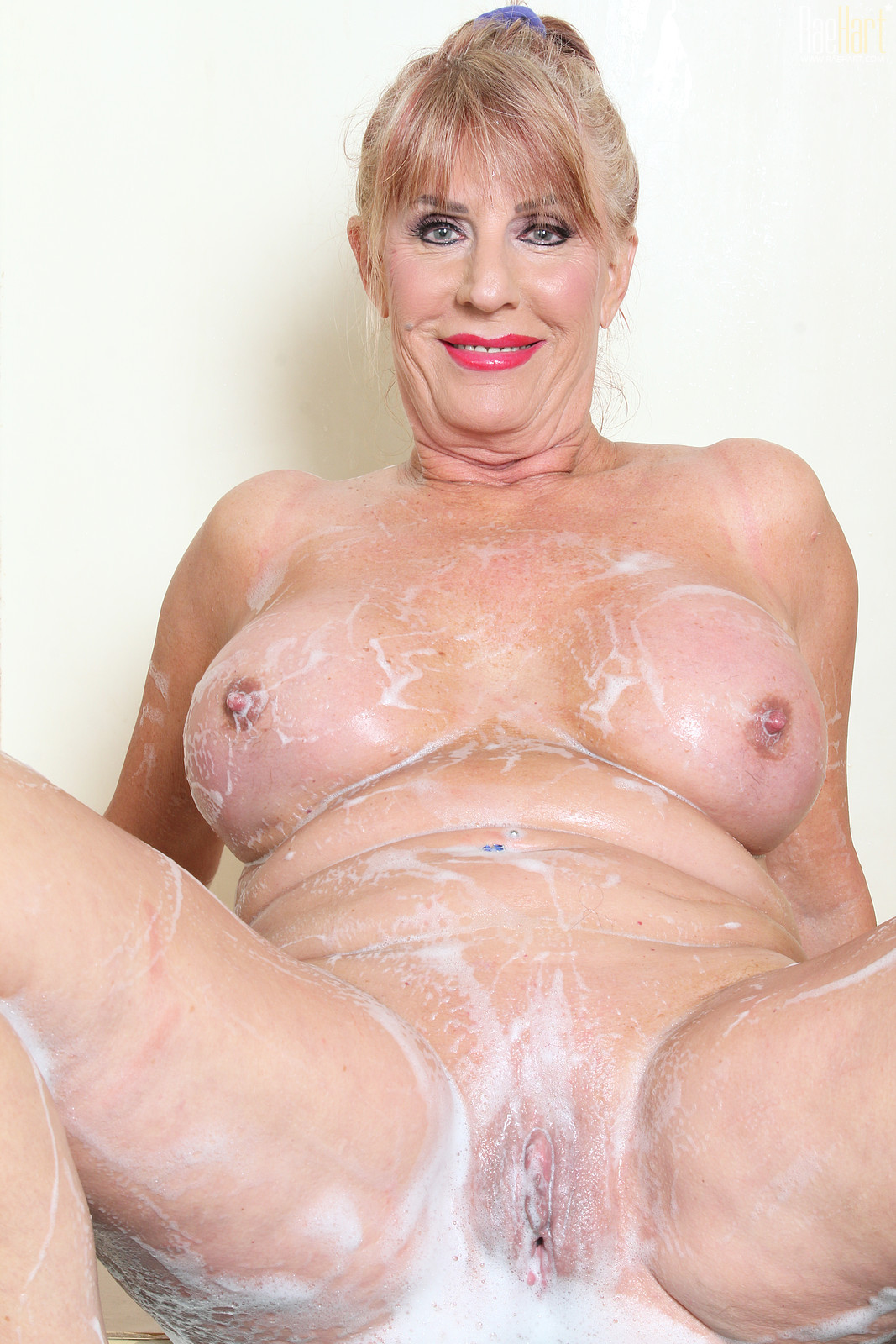 mature old woman for fuck